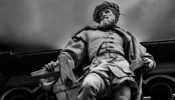 Elcano estatua