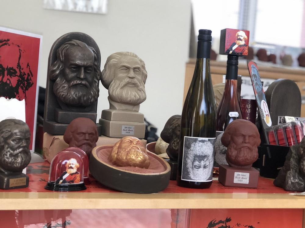 Basura$ y  coartadas diversas  sobre  Marx. IMG_2049