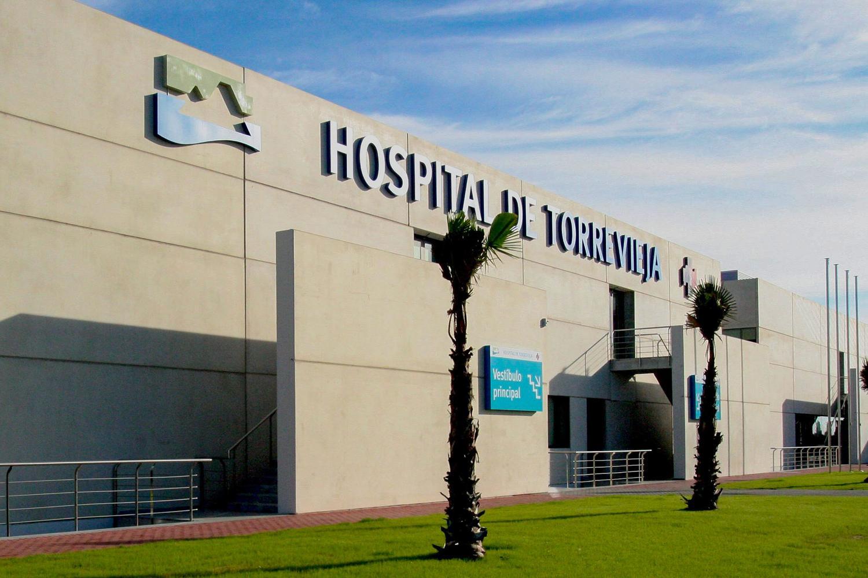 https://www.elsaltodiario.com/uploads/fotos/r1500/c17d24e5/Recurso_Hospital-de-Torrevieja-e1581935262810.jpg?v=63755826302