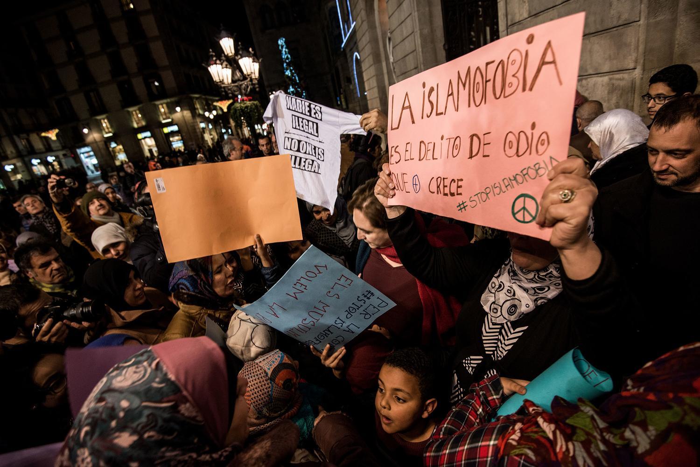 https://www.elsaltodiario.com/uploads/fotos/r1500/d06a4e12/12-12-15ConcentracionContraLaIslamofobia.CCCB.BraisGRouco-4906%20copia.jpg?v=63706832786