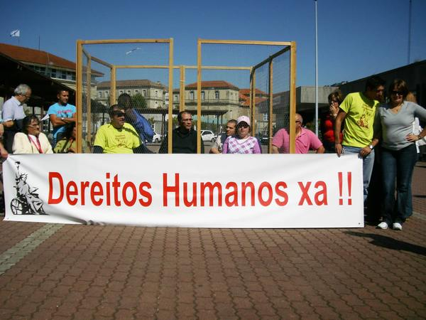 vela por los derechos humanos
