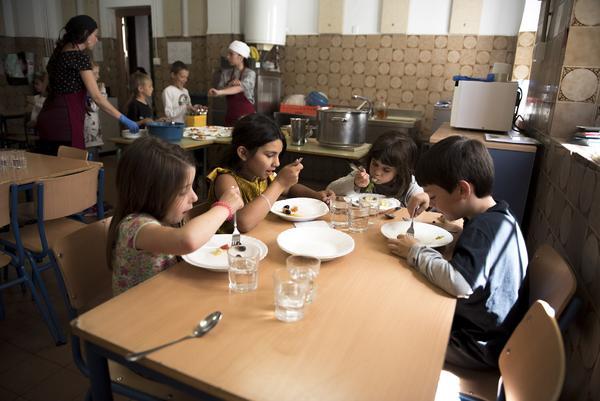 Las AMPA que querían dar de comer a sus hijos - Andalucía - El Salto