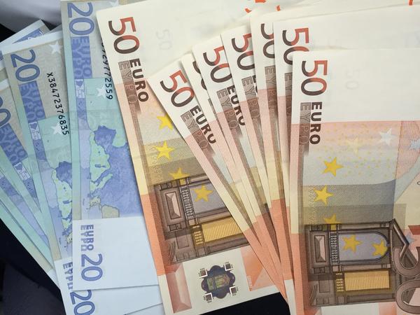 Billetes de 50 y 20 euros