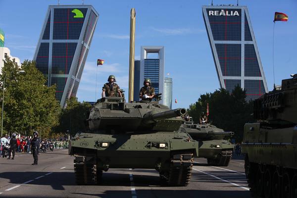 Tanque desfile 12 octubre