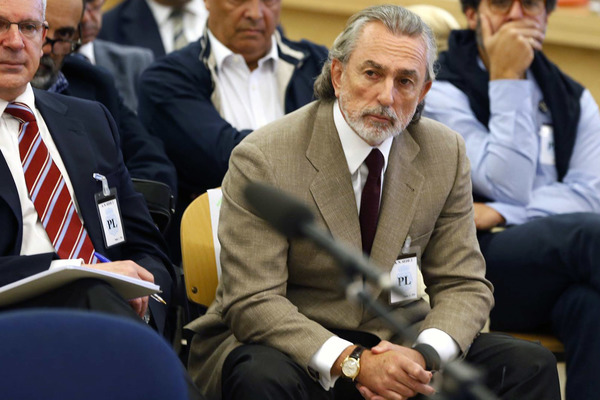 Francisco Correa.