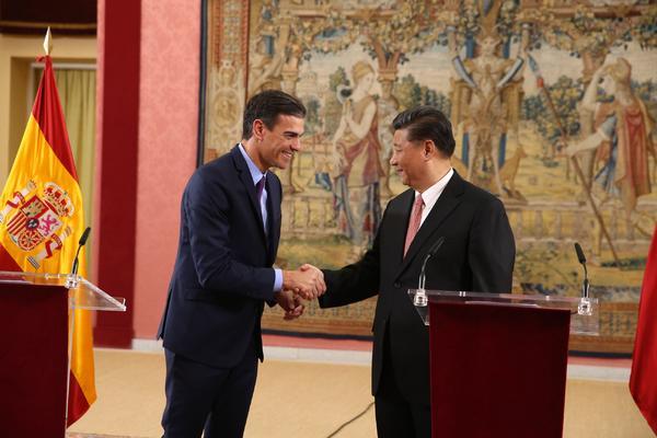 Pedro Sánchez recibe al presidente de China, Xi Jinping en noviembre de 2018. Foto de La Moncloa.