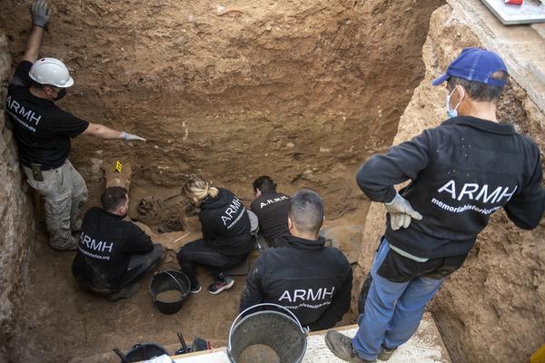 Exhumación en Guadalajara de una veintena de fusilados - 5