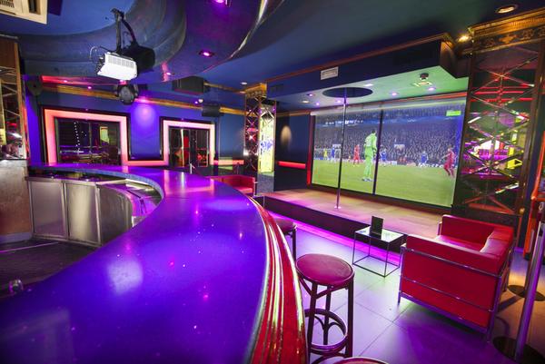 Interior del Club Flowers