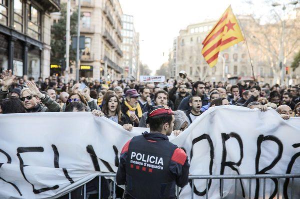 Protesta contra el rey Felipe VI en Barcelona