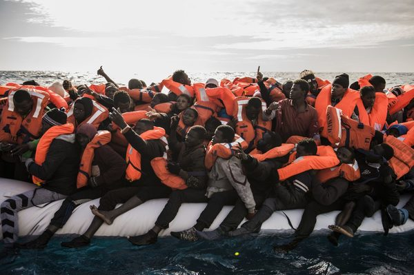 Patera en el Mediterraneo