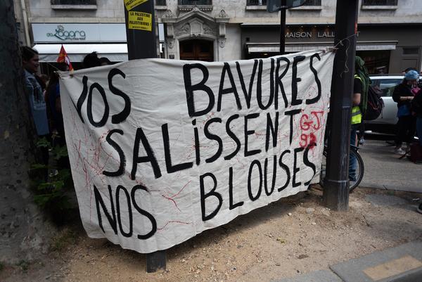 La policía francesa convierte una manifestación en defensa de la sanidad en una batalla campal - 6
