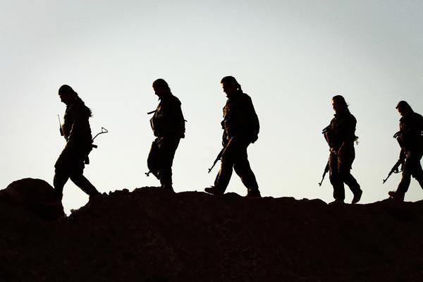 Milicianas de la YPJ kurdas 2