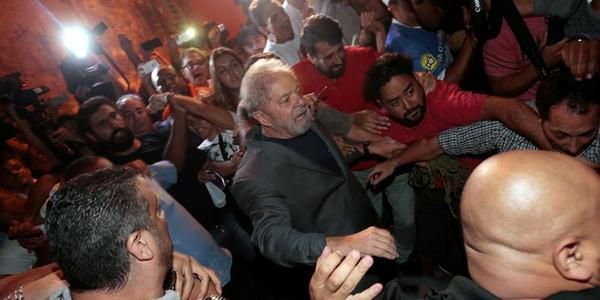 Lula antes de entrar a la cárcel