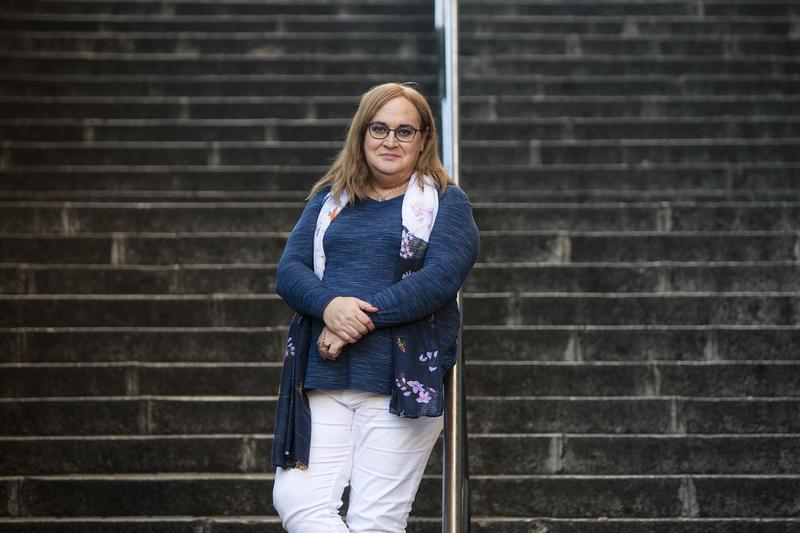Carmen García de Merlo retratada en su barrio. DAVID F. SABADELL