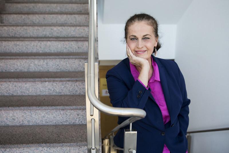 Carla Antonelli en la Asamblea de Madrid. DAVID F. SABADELL